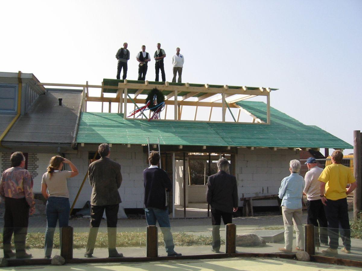 Richtfest für den neuen Wohnbereich der Freiwilligen und die neuen Büroplätze