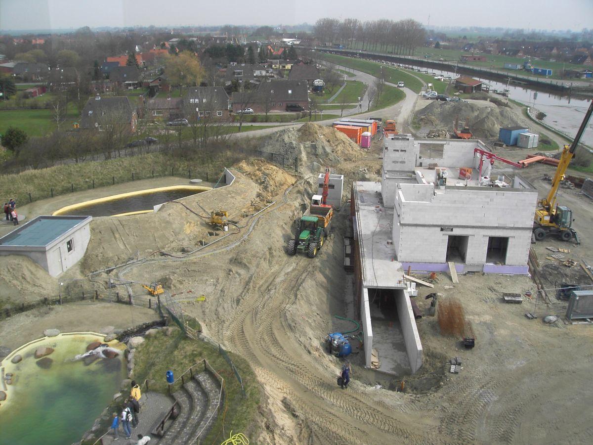 Bau des neuen Beckens der Dauerhaltungstiere und dem neuen Infozentrum