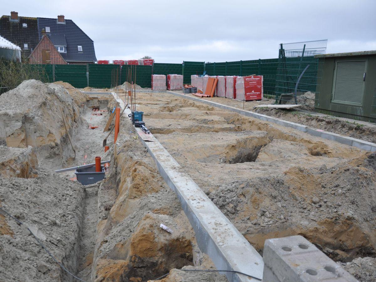 Hier entstehen zehn neue Quarantänebecken verschiedener Größen mit Anbindung an die Seewasserversorgung